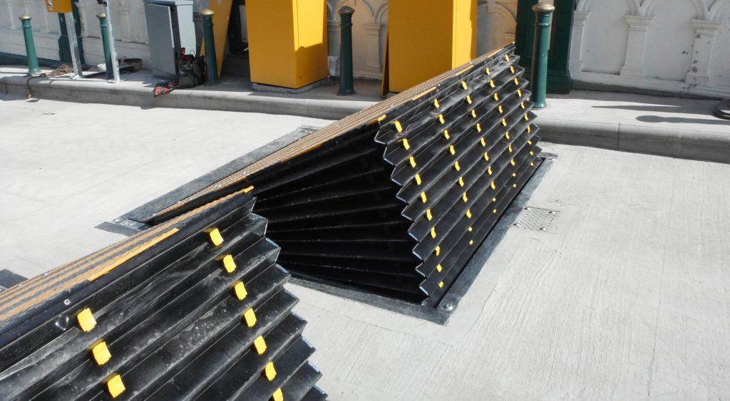 Shallow foundation road blocker - Hostile Vehicle Mitigation (HVM)