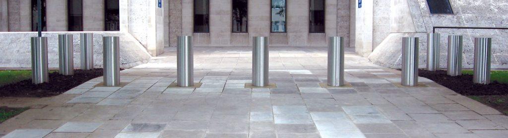 Stainless steel PAS 68 bollards