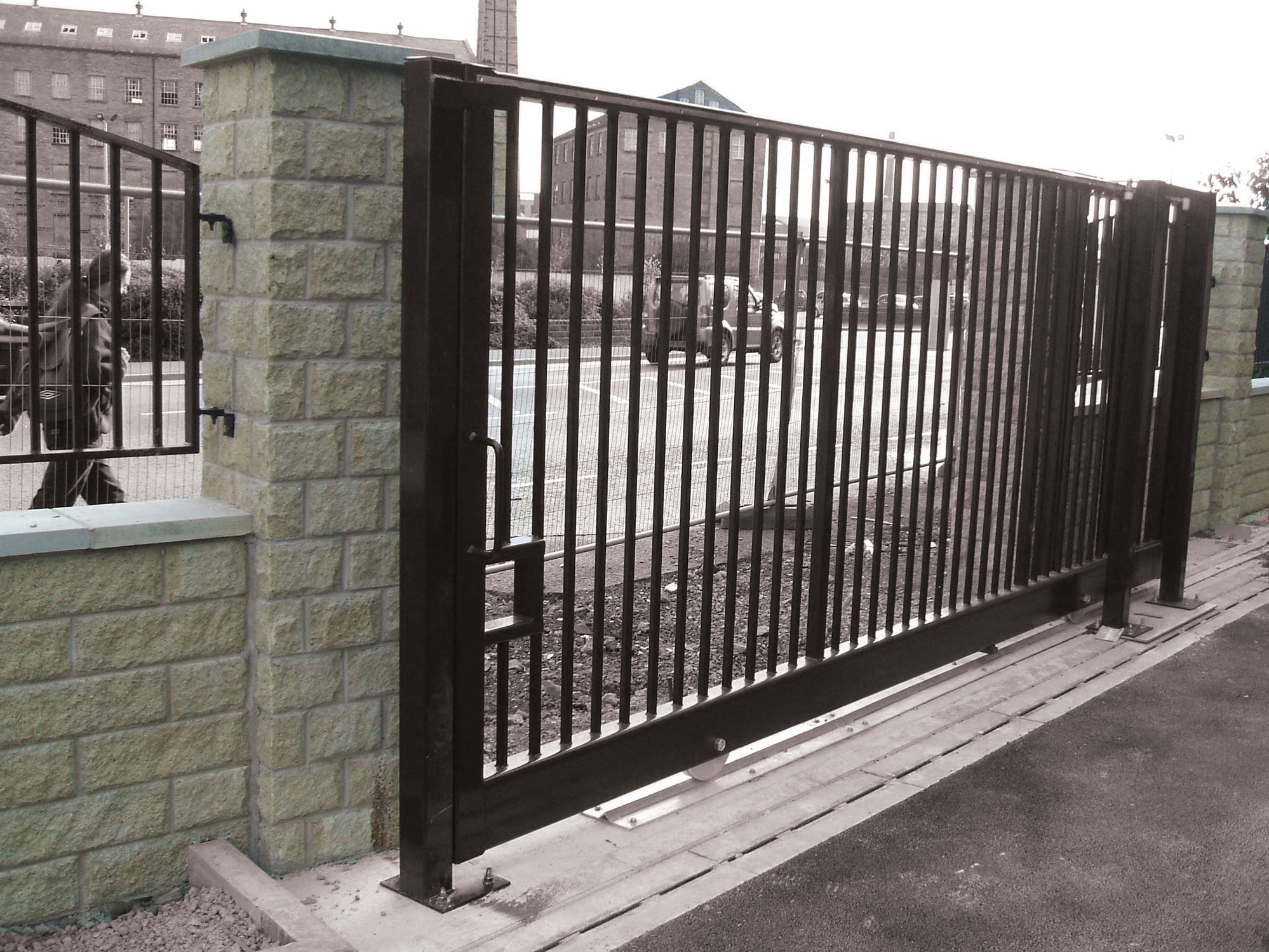 Avon Tg1000 Groundtrack Automatic Sliding Gate Avon Barrier