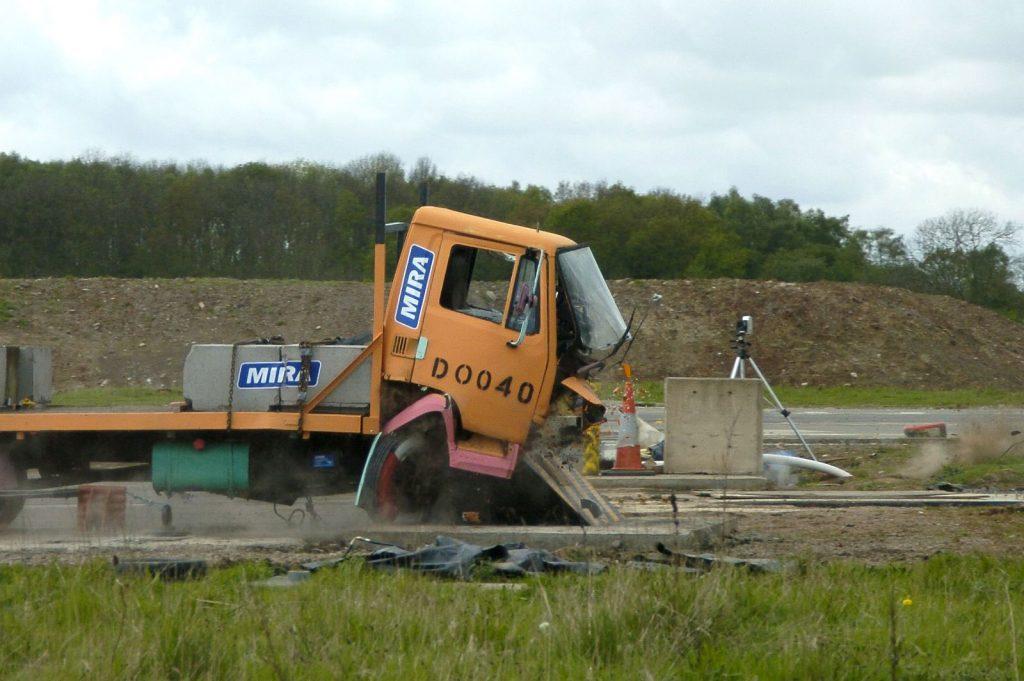 Avon RB780CR Chieftain Road Blocker PAS 68 HVM road blocker