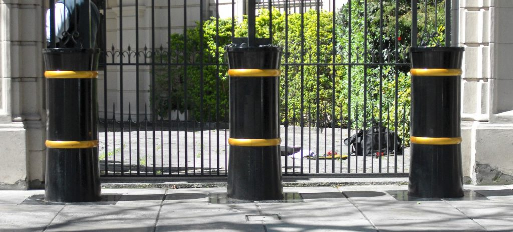 SB970CR PAS 68 impact tested bollards